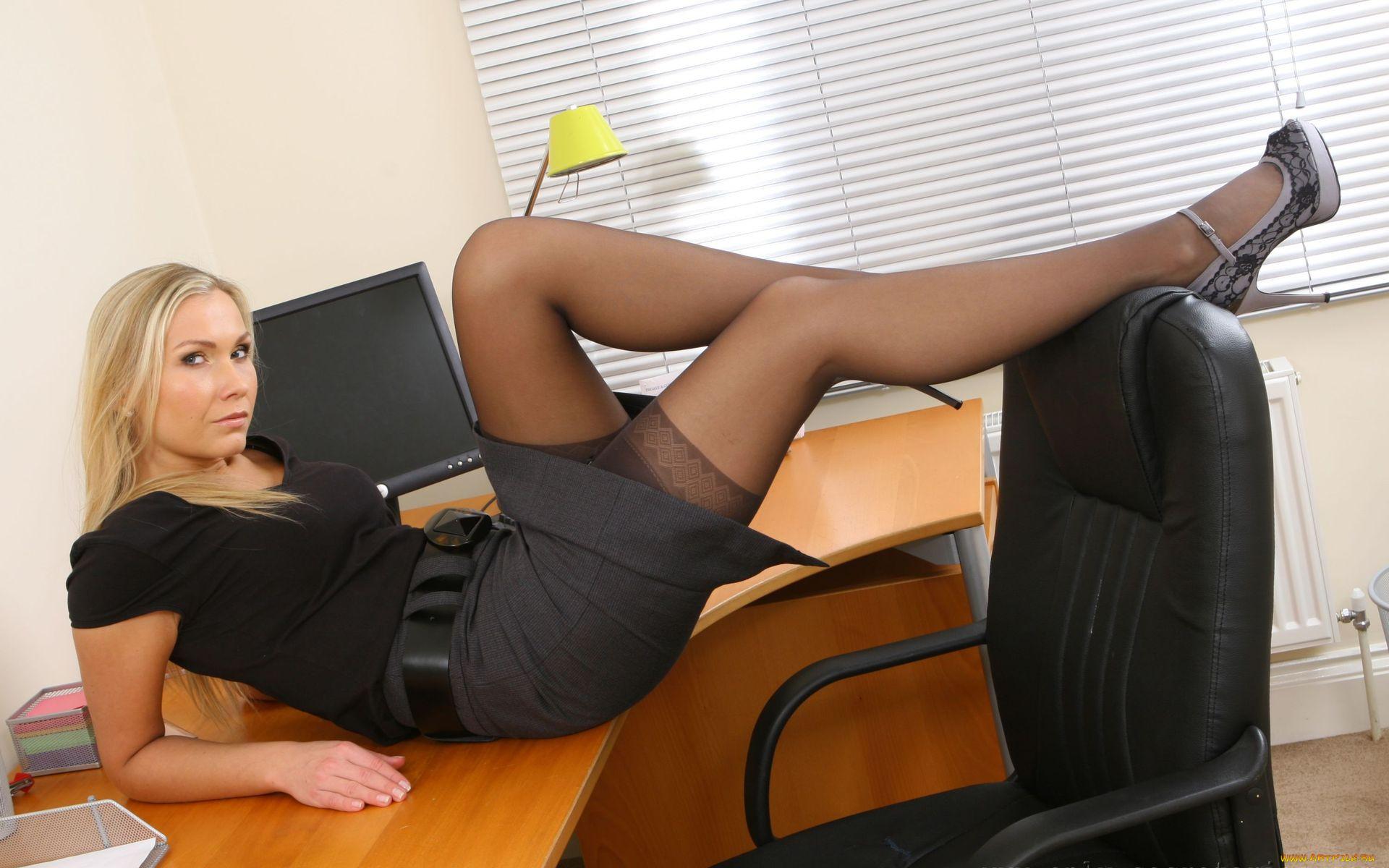 Порно с секретаршами онлайн brauzer